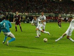 Müller (re.) vergibt gegen Sippel