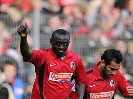 Jubel nach dem achten Saisontreffer: Cissé in Begleitung von Abdessadki.