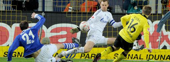 Blaszczykowski scheitert an Schalkes Manuel Neuer.