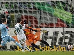 Wiedergutmachung nach verschossenem Elfmeter: Diego trifft zum 1:0.