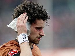 """""""Heiße Ohren"""" bei der Bundesliga-Premiere: St. Pauli-Verteidiger Kalla."""