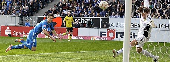 Hier scheitert Ibisevic noch an Dortmunds Keeper Weidenfeller, in Durchgang zwei traf er dann doch ins Tor.