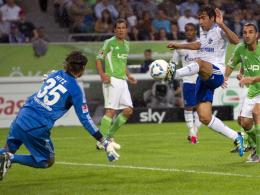 Raul überwindet Hitz zum 0:1