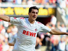 Jajalo freut sich über sein soeben erzieltes 1:0