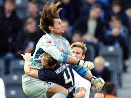 Autsch! Bei diesem Zusammenprall stehen Heinz Müller die Haare zu Berge.
