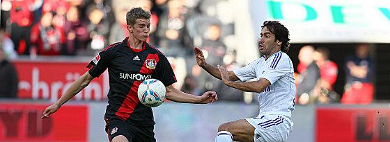 Bender und Schalkes Raul (re.)
