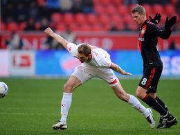 Niedermeier (VfB, li.) vs. Bender