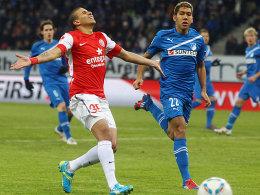 Mainz' Zidan und Roberto Firmino (re.)