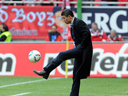 Immer noch perfekt am Ball: Lauterns Trainer Krassimir Balakov.