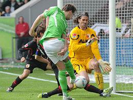 Oft die Endstation für die Wolfsburger Bemühungen: Jentzsch in Aktion.
