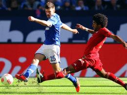 Huntelaar zieht vor Dante ab
