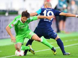 Gestoppt: Der Mainzer Soto bremst Wolfsburgs Spielmacher Diego.