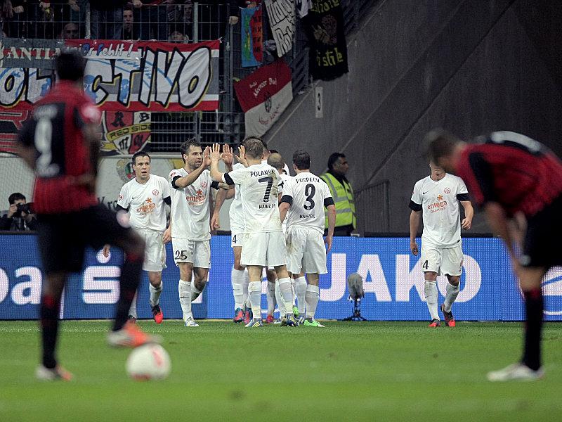 Geknickte Frankfurter, jubelnde Mainzer: Das Derby fand im FSV einen verdienten Sieger.