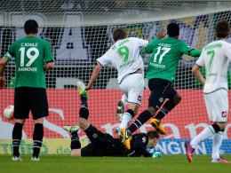 De Jong überwindet Zieler zum 1:0