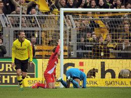 Schieber (li.) freut sich über seinen Treffer zum zwischenzeitlichen 1:0