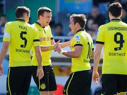 Kehl, Großkreutz, Götze und Lewandowski (v.li.) bejubeln das 5:0