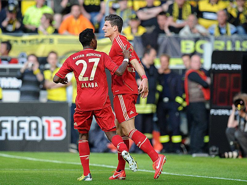 David Alaba und Mario Gomez (re.) freuen sich über den 1:1-Ausgleich