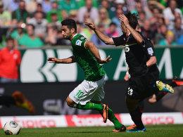 Vorbei am Gegner und rein ins Tor: Mehmet Ekici brachte Werder in Führung.