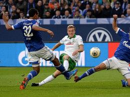 Felix Kroos (Mitte) trifft zum 1:0