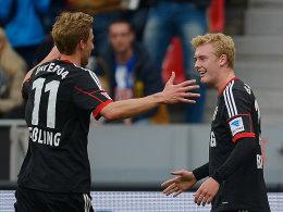 Stefan Kießling und Julian Brandt (re.)