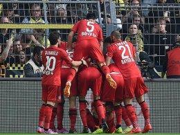 Der Leverkusener Torjubel nach dem 1:0.