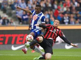 Salomon Kalou (links, Hertha BSC)