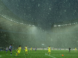 Schneetreiben: Im Berlin machte das Wetter der Spielern das Leben schwer.