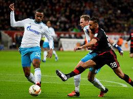 Unruheherd: Bayers Bellarabi (re.) stellte die Schalker Abwehr um Matip (li.) und Höwedes das ein oder andere Mal vor Probleme.