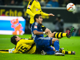 Riesenchance für Dario Lezcano (re.): Mats Hummels klärt erst in letzter Sekunde.