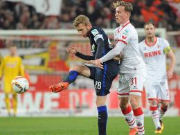 Kölns Yannick Gerhardt (re.) gegen Berlins Fabian Lustenberger