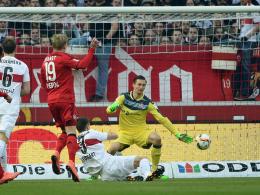 Brandt überwindet Tyton zum 1:0
