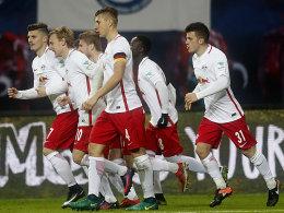 2:1 gegen Schalke: Leipzig zurück auf Rang eins