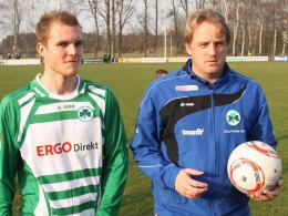 Fabian Baumgärtel und SpVgg-Coach Mike Büskens