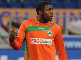 Der MSV machte das Spiel, aber er machte das Tor: Fürths Stürmer Olivier Occean.