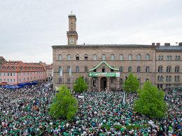 25.000 Fürther Fans warteten auf die Aufstiegshelden