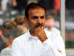 Nachdenklich: Trainer Jos Luhukay ist bewusst geworden, wie viel bei Hertha BSC noch im Argen liegt.