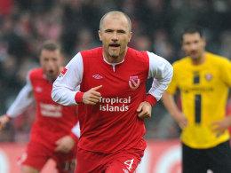 Der Dritte hat's geschafft: Ivica Banovic traf für Cottbus per Elfmeter.