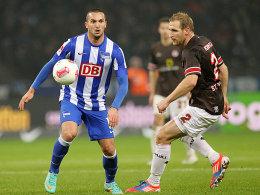 Matchwinner für die Hertha: Sahar, hier gegen Kringe, traf kurz vor Schluss zum 1:0.