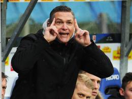 Redebedarf: Im Trainingslager will der Cottbuser Sportdirektor Christian Beeck viele Gespräche führen.