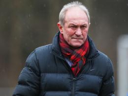 Gesundheitlich leicht angeschlagen in die zweite Trainingswoche: Der neue Jahn-Coach Franciszek Smuda.