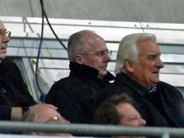 Mit dem Teleobjektiv gesichtet: Sven-Göran Eriksson im November 2012 beim Spiel der Löwen auf der Tribüne.