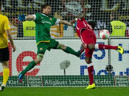 Mo Idrissou trifft zum 2:0