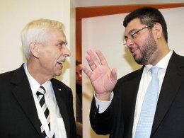 Präsident Dieter Schneider und Investor Hasan Ismaik