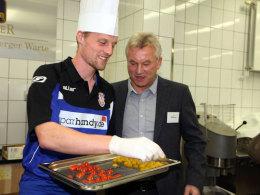 FSV-Trainer Benno Möhlmann mit Marc Heitmeier
