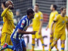 Schuss ins Glück: Herthas Ronny besorgte das 1:0 gegen Braunschweig.