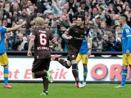 Freudentaumel am Kiez: St. Paulis Stürmer Ginczek war beim 5:1 gegen Braunschweig entscheidend beteiligt.