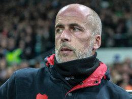 Michael Frontzeck muss seinen Arbeitsplatz beim FC St. Pauli räumen.