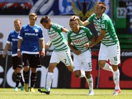Sollen das Team in der Rückrunde stabiler machen: Goran Sukalo (re.) und Stürmer Nikola Djurdjic (M.).