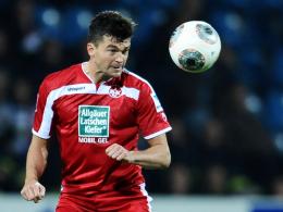 Die Fußverletzung schmerzt noch immer: Kaiserslauterns Abwehrrecke Jan Simunek.