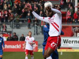 Nicht immer glücklich, aber einmal am richtigen Ort: Boubacar Sanogo gegen den KSC.
